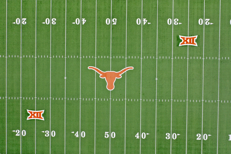 April 29, 2019 - Austin, Texas, USA: Aerial Views of Darrell K Royal–Texas Memorial Stadium located in Austin, Texas, on the campus of the University of Texas at Austin, has been home to the Longhorns football team since 1924. Redactioneel
