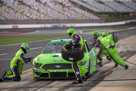 May 17, 2019 - Concord, North Carolina, USA: Ryan Newman (6) and crew takes to the track to perform a pitstop to qualify for the Monster Energy All-Star Race at Charlotte Motor Speedway in Concord, North Carolina. Redakční