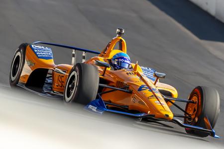 18 maggio 2019 - Indianapolis, Indiana, Stati Uniti d'America: FERNANDO ALONSO (66) di Spagna si prepara alla pratica per la 500 Miglia di Indianapolis a Indianapolis Motor Speedway di Indianapolis, Indiana. Editoriali