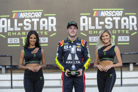 May 18, 2019 - Concord, North Carolina, USA: Alex Bowman (88) advances onto the Monster Energy All-Star Race at Charlotte Motor Speedway in Concord, North Carolina.