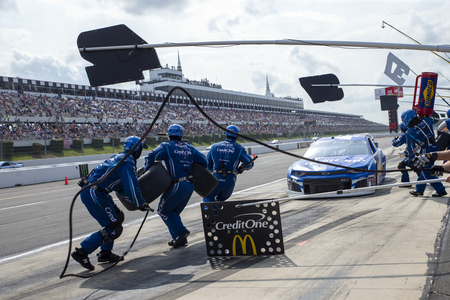 June 02, 2019 - Long Pond, Pennsylvania, USA: Kyle Larson (42) makes a pit stop for the Pocono 400 at Pocono Raceway in Long Pond, Pennsylvania.