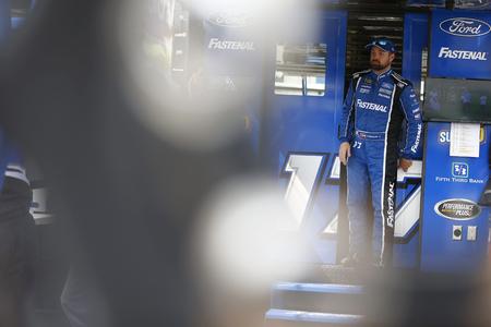 May 31, 2019 - Long Pond, Pennsylvania, USA: Ricky Stenhouse, Jr (17) gets ready to practice for the Pocono 400 at Pocono Raceway in Long Pond, Pennsylvania. Фото со стока - 124412624