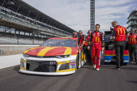 September 08, 2019 - Indianapolis, Indiana , USA: Kyle Larson (42) gets ready to qualify for the Big Machine Vodka 400 at the Brickyard at Indianapolis Motor Speedway in Indianapolis, Indiana . 報道画像