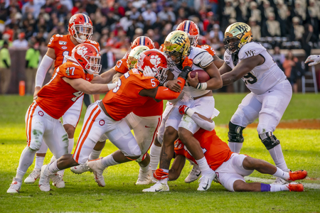 November 16, 2019 - Clemson, South Carolina, USA: The Clemson Tigers play host to the Wake Forest Demon Deacons at Memorial Stadium in Clemson, South Carolina. Redactioneel