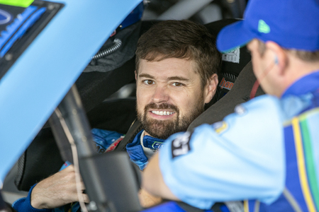 October 26, 2019 - Martinsville, Virginia, USA: Ricky Stenhouse, Jr (17) takes to the track to practice for the First Data 500 at Martinsville Speedway in Martinsville, Virginia. Redakční