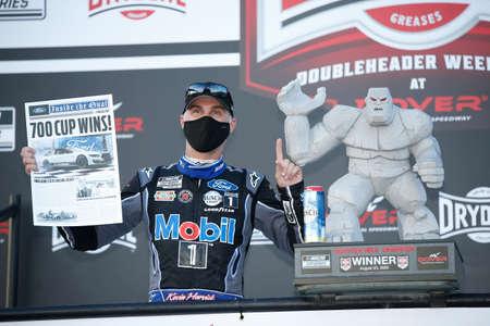 Kevin Harvick (4) wins the Drydene 311 (2) at Dover International Speedway in Dover, Delaware.
