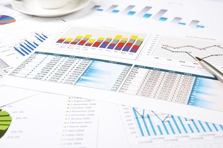 fondos negocios: tablas de crecimiento, mesas de trabajo, hombre de negocios