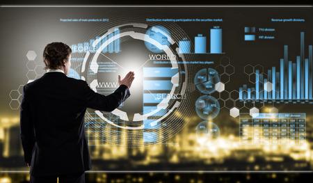 Rückansicht der Geschäfts berühren Symbol der Medien Bildschirm