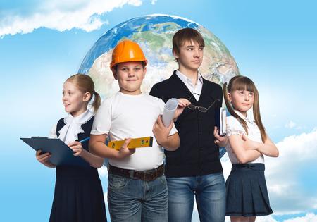 diferentes profesiones: Los ni�os en edad escolar, intentando m�ltiples profesiones
