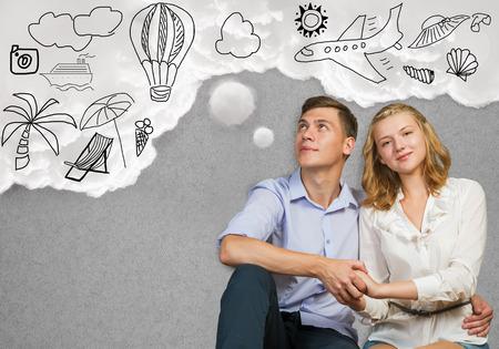 미래의 부유 한 삶의 젊은 행복한 가족 커플 꿈