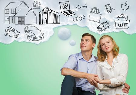 Jonge gelukkige familie paar dromen van toekomstige rijke leven