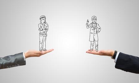 ingeniero caricatura: Empresarios dibujado en palmeras humanas sobre fondo gris