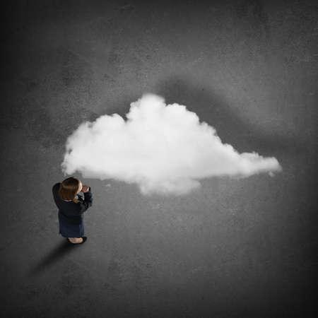 dudando: Top view of thoughtful businesswoman looking at cloud concept on floor Foto de archivo