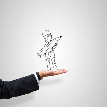 caricatura: Médico de la mujer dibujada en la palma masculina sobre fondo gris
