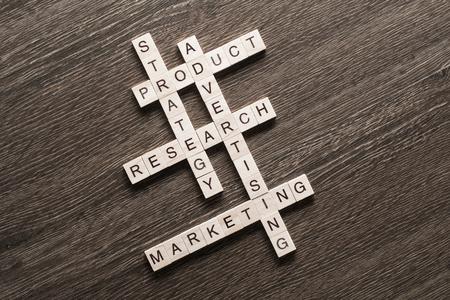 クロスワードのマーケティングとビジネス コンセプト ゲーム ブロックの収集