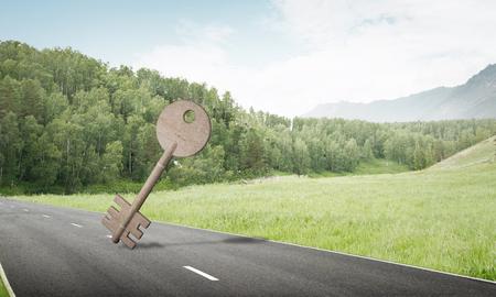 自然の景観と屋外のアクセスのシンボルとしてキーの石図
