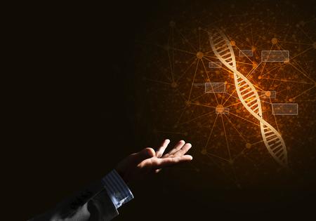 Close-up van zakenman hand presenteren DNA-molecuul onderzoek als concept. Gemengde media Stockfoto - 81157422