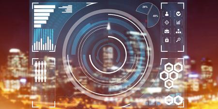 Immagine concettuale della priorità bassa con l'interfaccia virtuale contro la città incandescente di notte Archivio Fotografico - 84589739