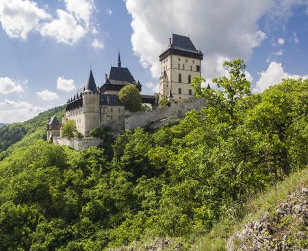 donjon: Karlstejn castle in summer, one of the most famous castles in Czech Republic