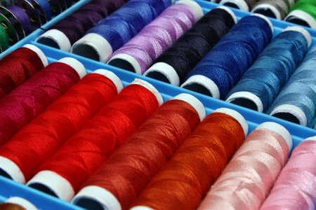 volatility: Hilo de coser de color