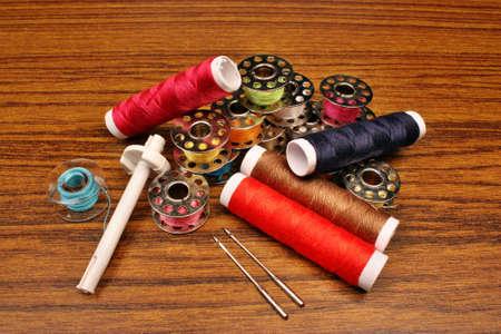 volatility: Tema colores de la m�quina de coser en la mesa