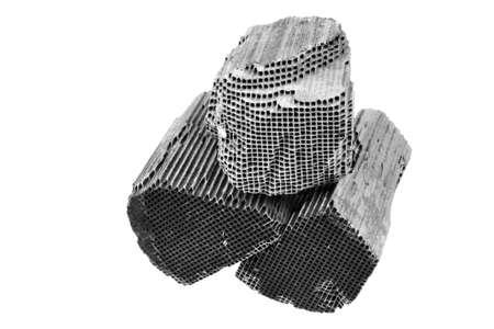 Zwei Stück Teil der Auto-Katalysator mit Platin, Rhodium, Palladium Standard-Bild - 41197752