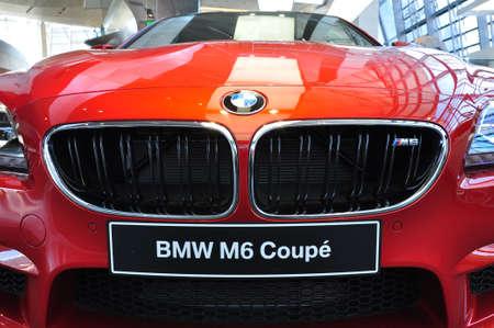 뮌헨, 뮌헨, 독일 2012년 12월 11일에 BMW 자동차 쇼에서 BMW M6 쿠페 12 월 11 전면 에디토리얼