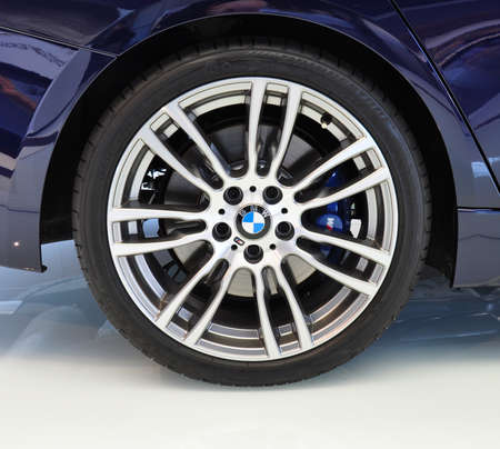 coche: MUNICH, DECEMBER 11  rim of a new BMW 3 Series at BMW Car Show on December 11, 2012 in Munich, Germany