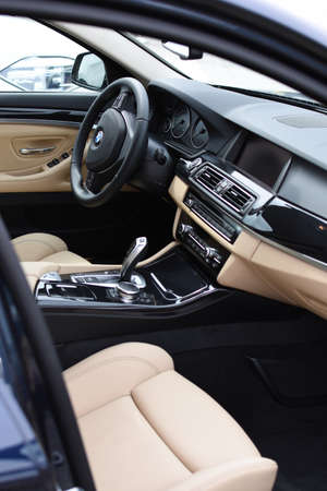luxus: Deggendorf, Germany - 23. APRIL 2016: interior of a 2016 BMW 5 Series during the luxury cars presentation in Deggendorf. Editorial