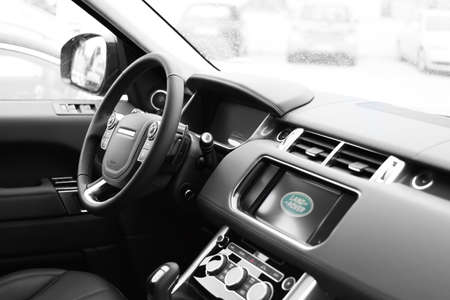 luxus: Deggendorf, Germany - 23. APRIL 2016: interior of a 2016 Range Rover Sport SUV during the luxury cars presentation in Deggendorf.