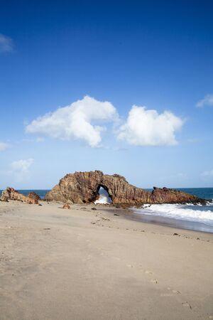 horizont: Pedra Furada in Jericoacoara Brazil