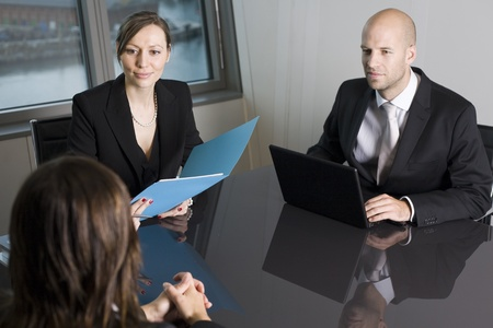 scheduling: Bank consultants with client