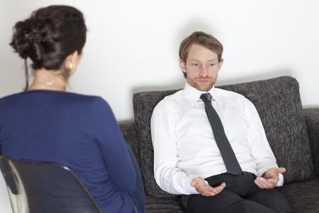 terapia psicologica: Hombre de negocios en el psicoan�lisis