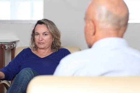 femme à la psychothérapie