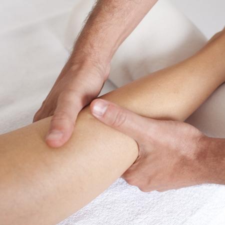 terapia ocupacional: terapeuta físico con el paciente Foto de archivo