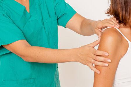 shoulder problem: shoulder massage