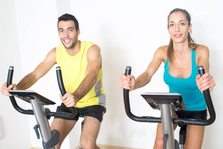 functional: Couple spinning exercise