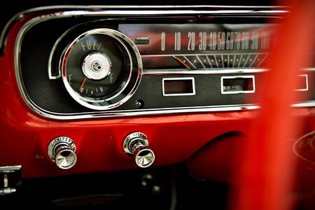 Dashboard of classic red retro car 版權商用圖片