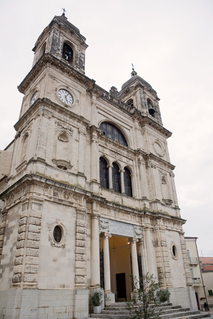hither: Church of St. Valentine in homonymous town in Abruzzo