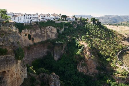 spanish homes: Ronda: tipical spanish village on the cliff