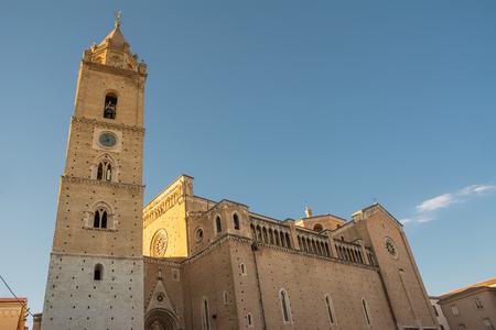 Chieti에있는 San Giustino 성당 스톡 콘텐츠