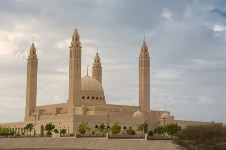 The four minarets and the dome of the new Mosque of Nizwa (Oman) Reklamní fotografie - 123107783