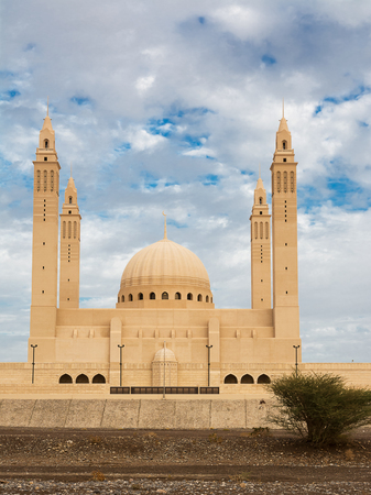 The four minarets and the dome of the new Mosque of Nizwa (Oman) Reklamní fotografie - 123117025