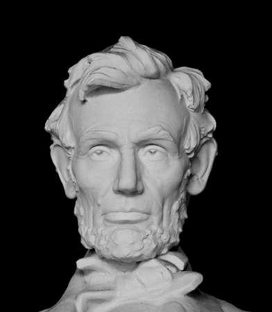 에이브 러햄 링컨 대통령의 흉상 검은 배경에 고립