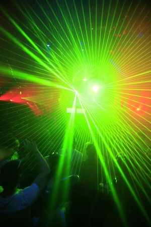 clubbers: Nocturno Music Event Parte l�ser ilumina Antecedentes