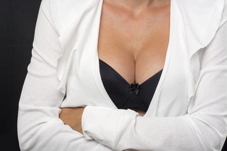 tetas: Grandes senos Señora En Balck atractivo del sujetador y chaqueta blanca