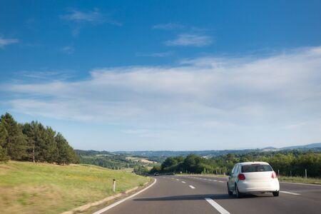 Highway Road door het midden van Servië