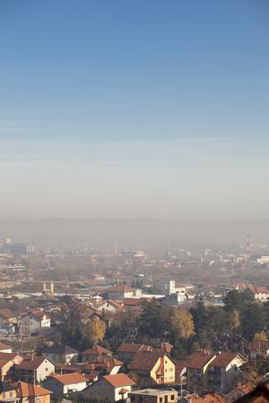 스모그 및 에어 펀 숀 공기 오염, 유럽, 세르비아, 발예 보 시티 스톡 콘텐츠