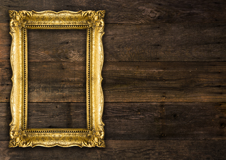 Old Picture Rustic Frame on wooden baclground Standard-Bild - 119387666