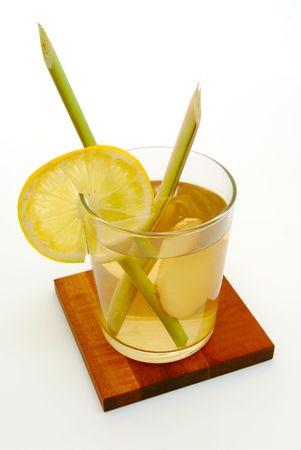白い背景の上のレモングラス、生姜紅茶 写真素材